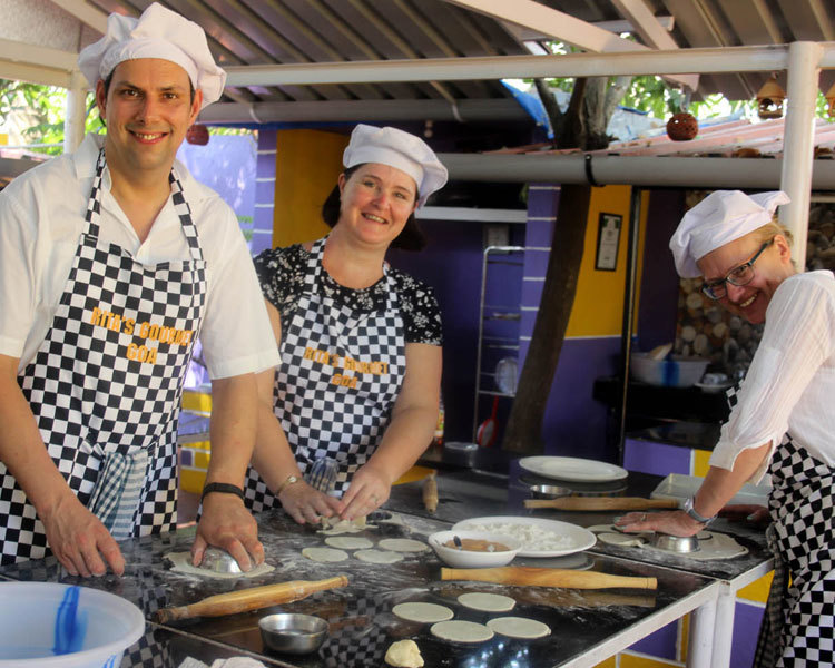 COOKERY CLASS WITH MARKET TOUR AT GOA