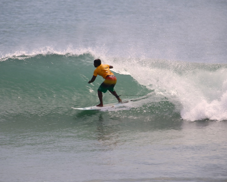 SURFING CLASSES (4 DAYS)