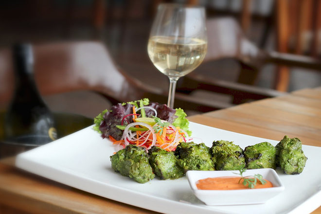DINE AND RELAX AT HOLIDAY INN