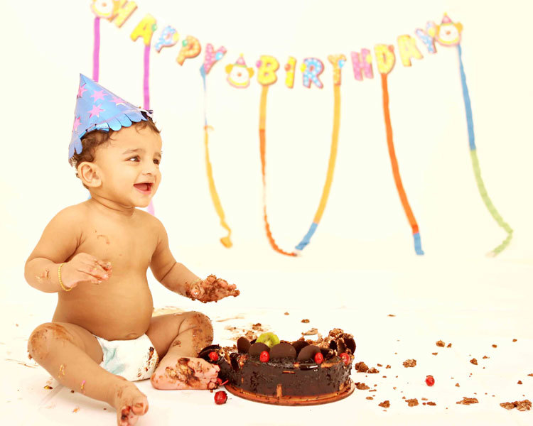 FIRST B'DAY PHOTOSHOOT