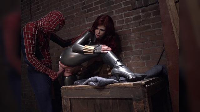 Смотреть порно человек паук фильм