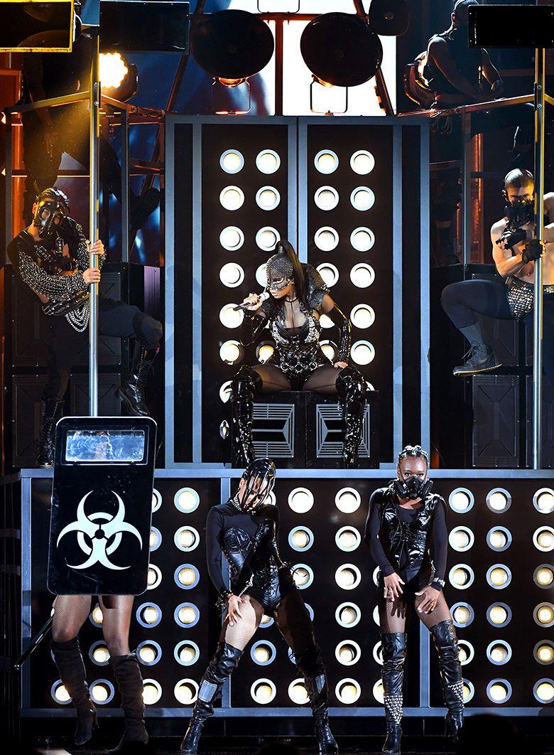 Выступление Ники Минаж на церемонии вручения музыкальной награды Billboard Music Awards в Ти-Мобайл Арене, Лас-Вегас, 21 мая 2017 г.