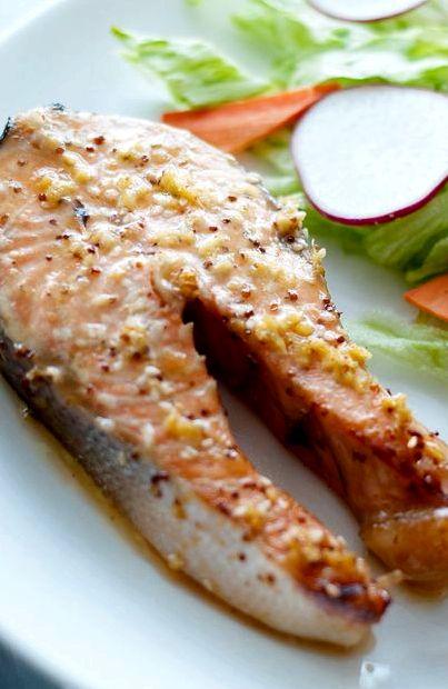 Стейк лосося в фольге в духовке