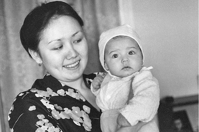 Маленькая Ляйсан с мамой