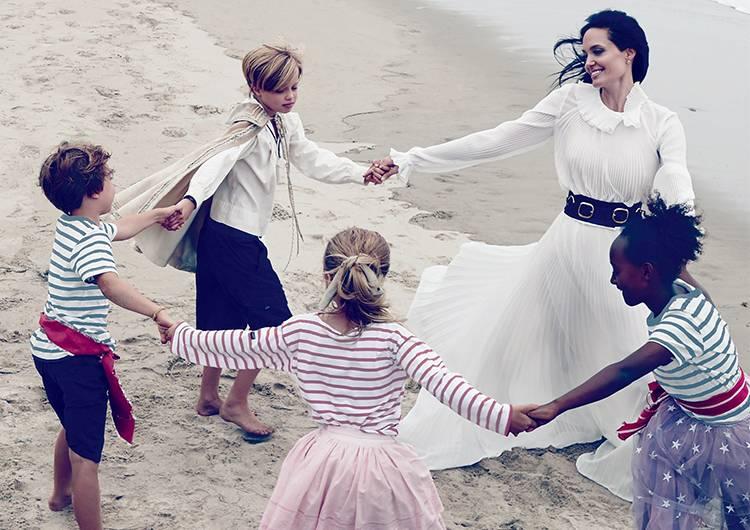 Джоли и дети последние фото