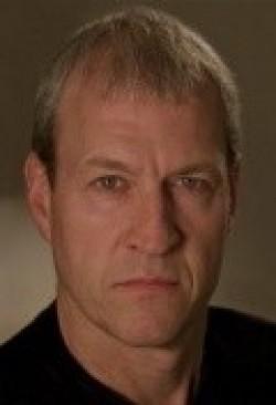 В главной роли Актер Дэвид Робертс, фильмографию смотреть онлайн.