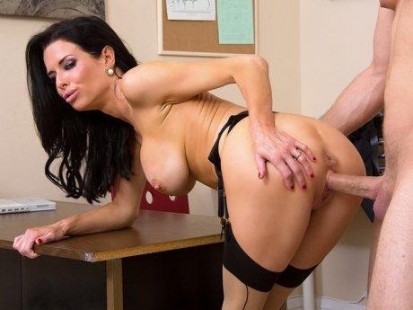 Порно с секретаршами