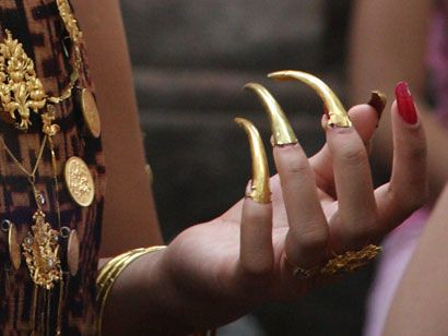 Asian golden nails
