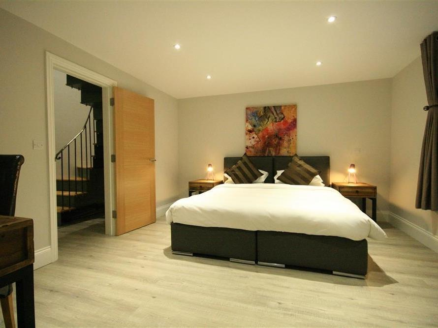 Cheap hotels in nailsworth