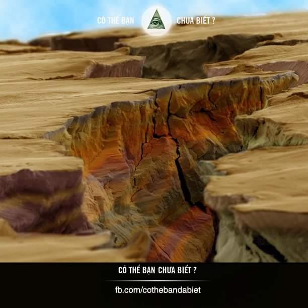 Khe nứt của miếng thép khi được soi dưới kính hiển vi.