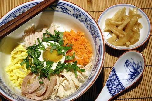NẤU BÚN THANG NGON NHƯ Ở TIỆM LÀM  Bún Thang là món ăn cổ truyền của Việt Nam và nay chủ yếu...