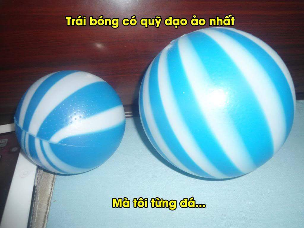 Ngày xưa sút quả bóng này toàn sút bằng móng. :v