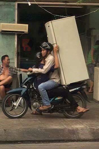 Người vận chuyển phiên bản Việt =)) #hoibamlike #nguoivanchuyen