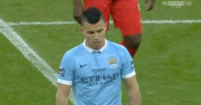 HT: Liverpool 0-0 Man City trận đấu rất hấp dẫn và nóng bỏng. đánh đấm đá sút đủ cả :)))))...