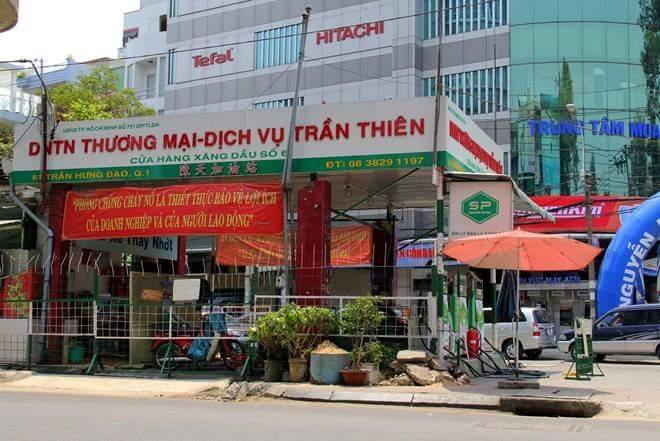Kinh doanh kiểu Việt Nam- Phần 2  Có 1 thằng Tây đi lang thang đến 1 ngã 4 đường. Anh ta dòm...