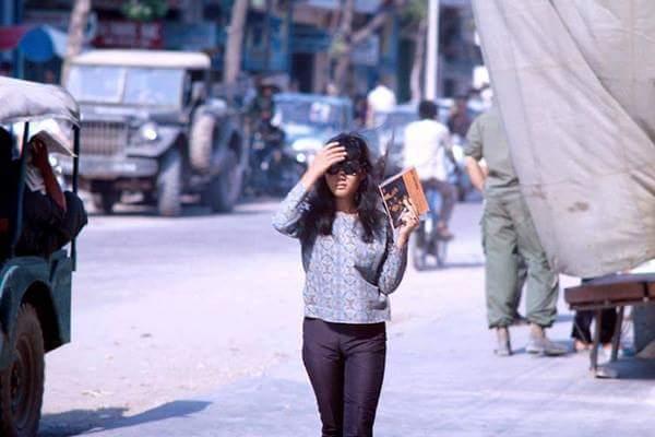 Ngắm nhìn gu thời trang thời thượng của phụ nữ Sài Gòn 50 năm về trước