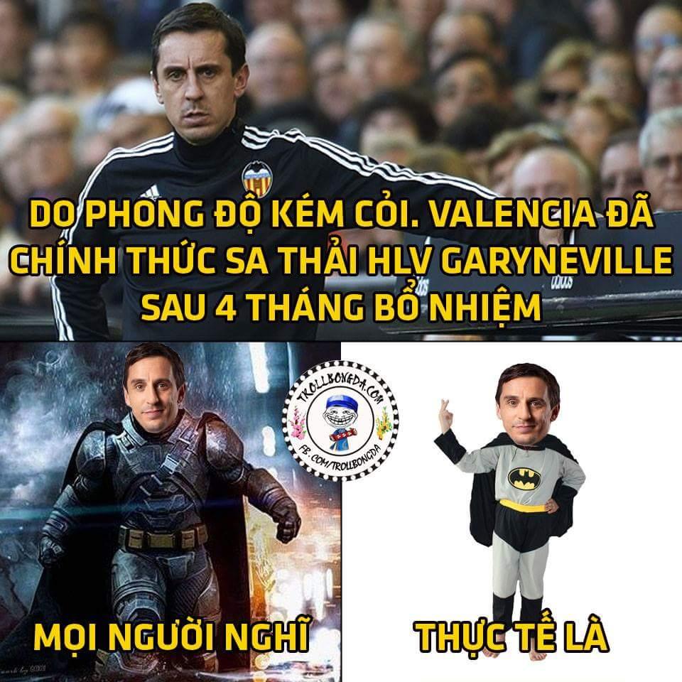 Batman phiên bản lỗi rồi :)))) tưởng nâng được Valencia lên hóa ra toàn dìm Valencia xuống...