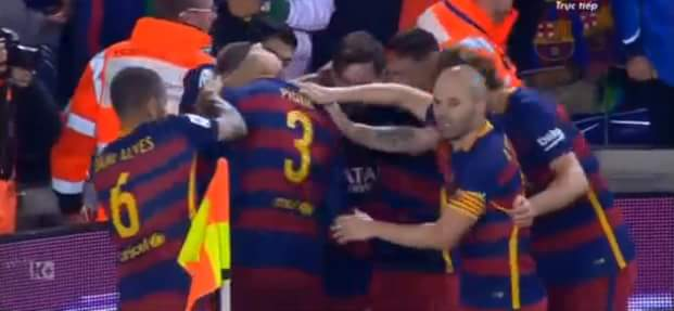 PIQUEEEEE.........anh nhảy lên như 1 vị thần và đánh đầu mở tỉ số cho Barca...