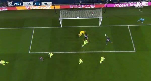 Vào...ooooooooooooo 2-1 cho PSG. Người ghi bàn là tài năng trẻ