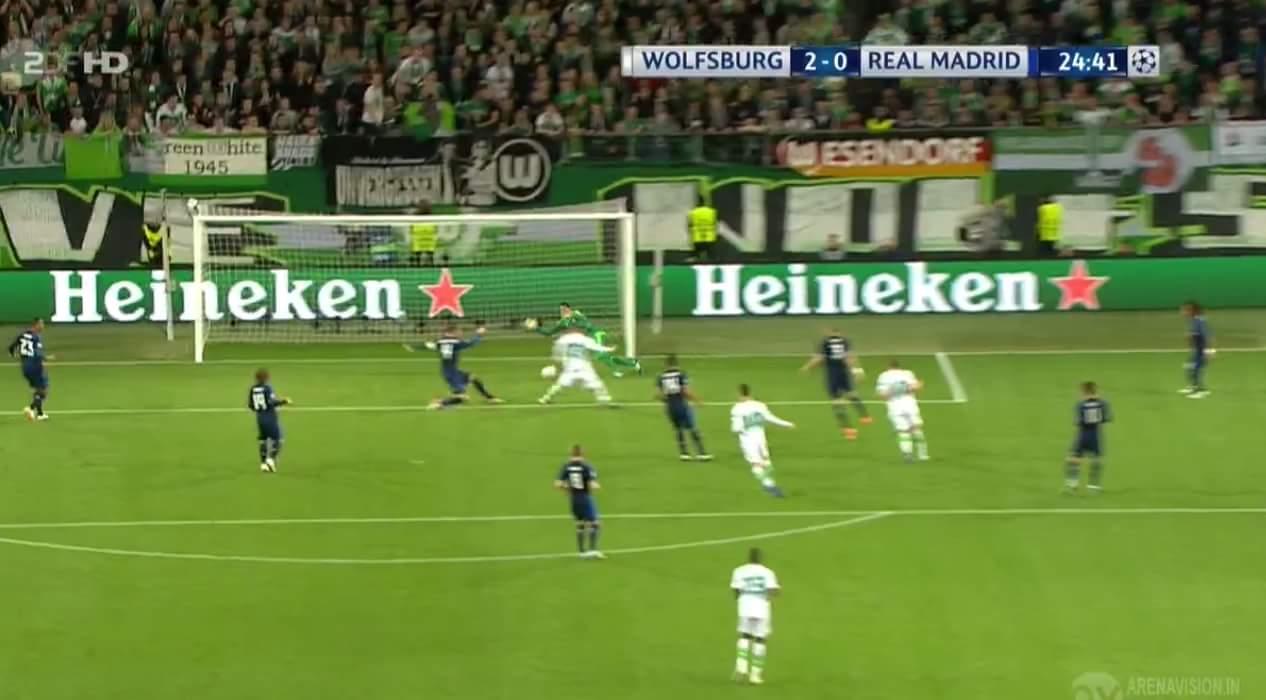 Phút 25. Wolfsburg đang dẫn Real 2-0 :v :v Ở trận đấu cùng giờ, Ibra vừa miss 1 quả pen :v...