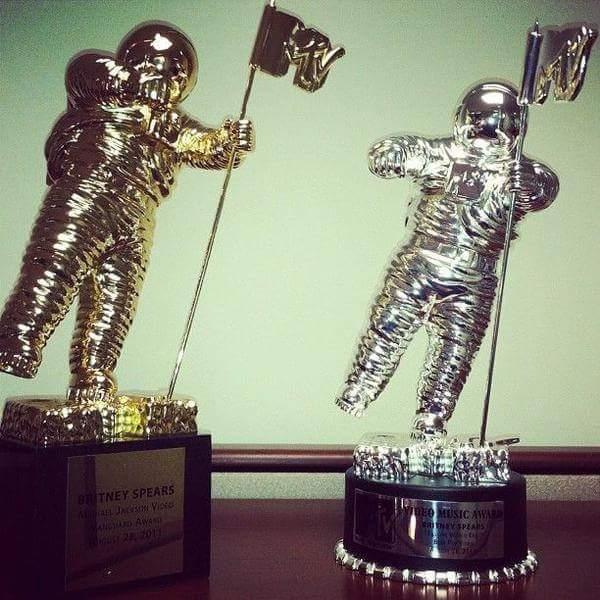 Funfact: Britney actually has two Vanguard Awards. #VMAs   (Since the golden award wasn't ready for the VMA 2011 show)