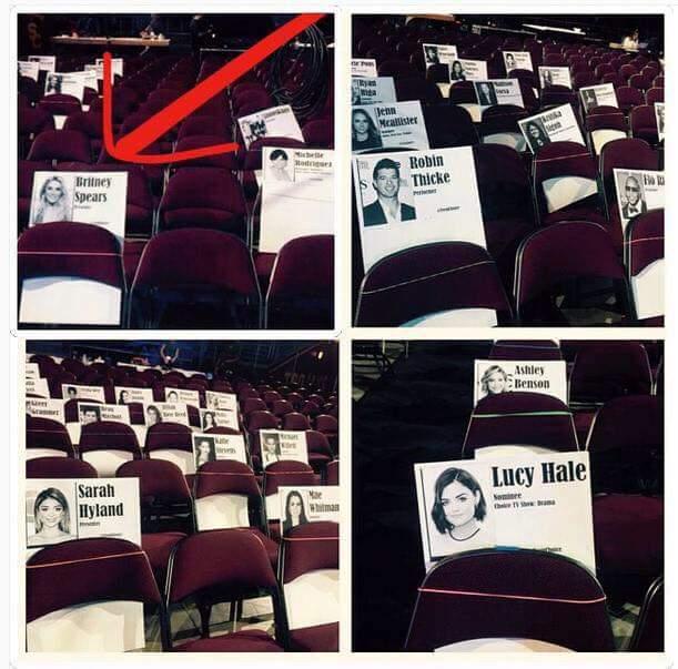 Britneys seat for FOX Teen Choice Awards