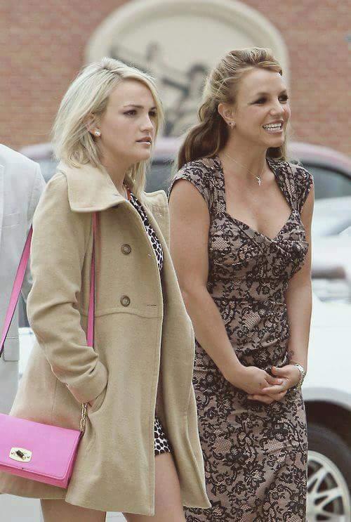 Britney og lillesøsteren Jamie Lynn ute på tur i