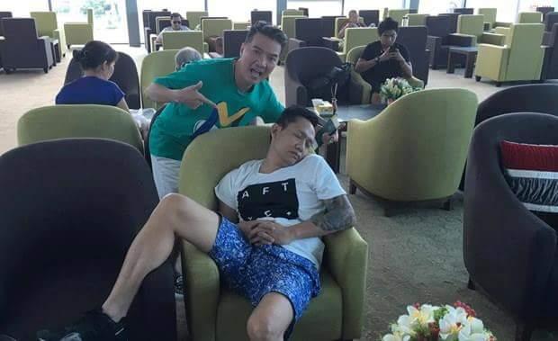 Hồ Quang Hiếu với Khắc  Việt chơi lầy quá. :v