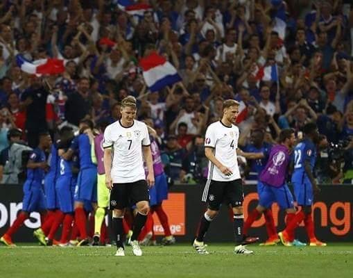 Tạm biệt búp bê Neuer Tạm biệt gấu Muller nhé Tạm biệt thỏ trắng Ozil Mai Đức về nước thật rồi...
