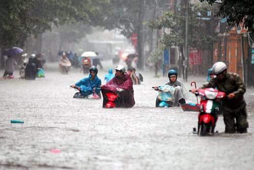 Hà Nội mưa to quá cả nhà