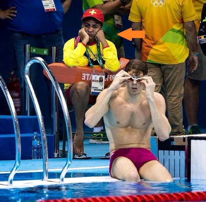 Méo hiểu mình ngồi đây có tác dụng gì Khi chúng nó toan vận động viên bơi lội Vậy thì cứu ai...