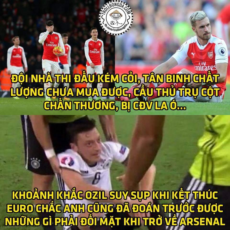 Nghe nói Zil trố đang muốn ra đi, Arsenal cứ như này thì trụ cột bỏ đi là phải...