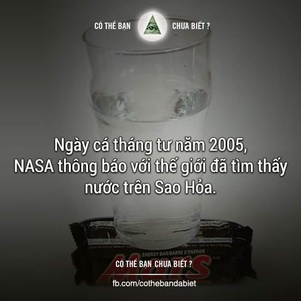 Ngày 01/04/2005, NASA đã đăng tải trên trang web bức hình có 1 ly nước đặt trên thanh kẹo...