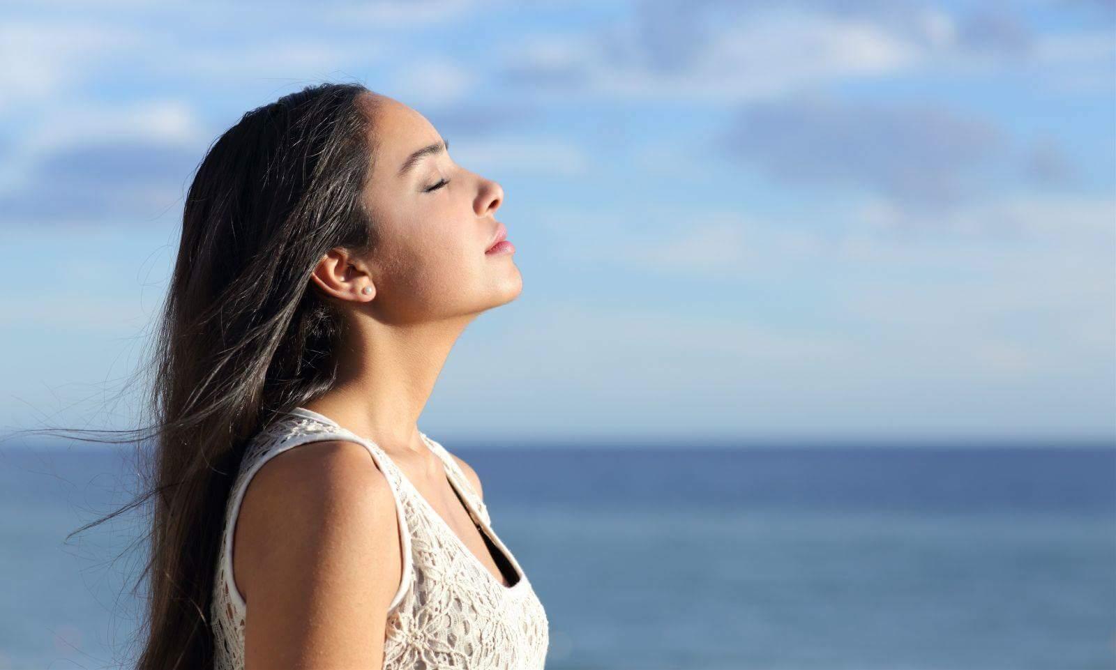 5 PHƯƠNG PHÁP GIÚP TỈNH TÁO NHANH VÀ HIỆU QUẢ  Cuộc sống bộn bề công việc luôn làm bạn căng...