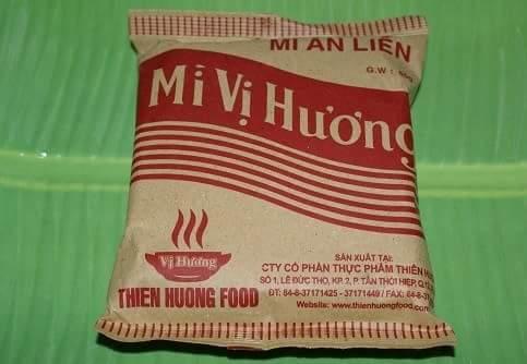 3 sản phẩm mì ăn liền lâu đời nhất của Việt Nam.  1. Mì Vị Hương  Xuất hiện từ những năm 60...
