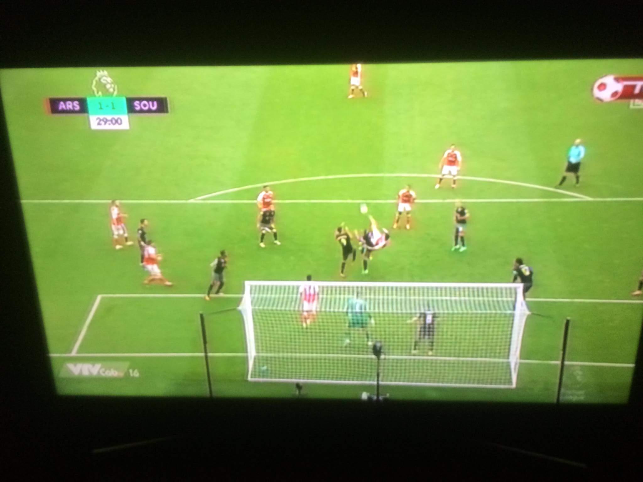 GOALLLLLL......siêu tiền đạo Kos ghi bàn siêu phẩm gỡ hòa cho Arsenalllllllllll