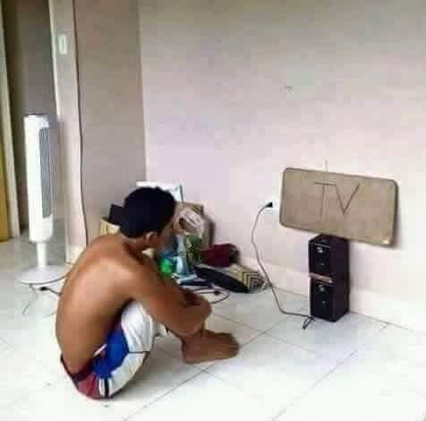 Xem TV đúng nghĩa.