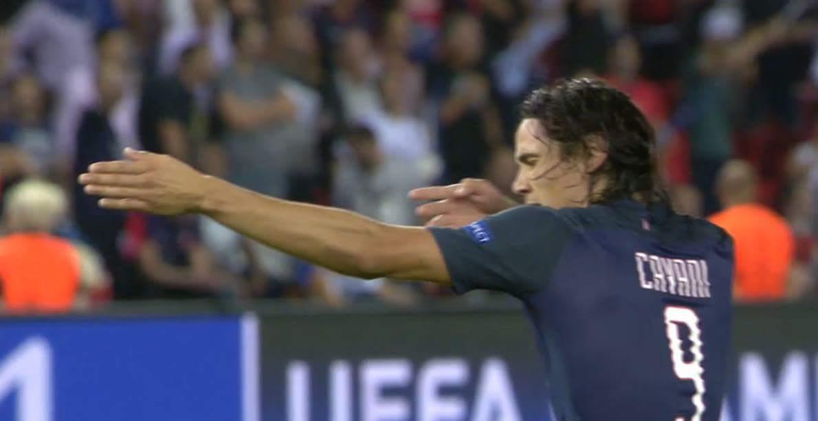 VÀOOOOOOOOOOO.......ối giời ơi ngay phút đầu tiên Cavani đã ghi bàn thắng đầu tiên của...
