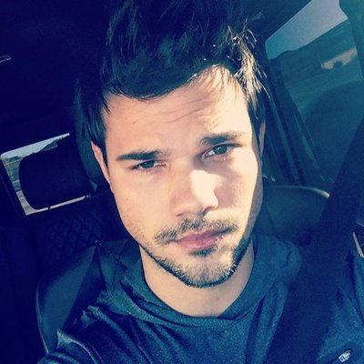 Official taylor lautner website