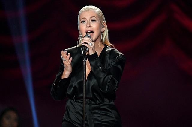 Кристина Агилера с триумфом выступила на American Music Awards-2017
