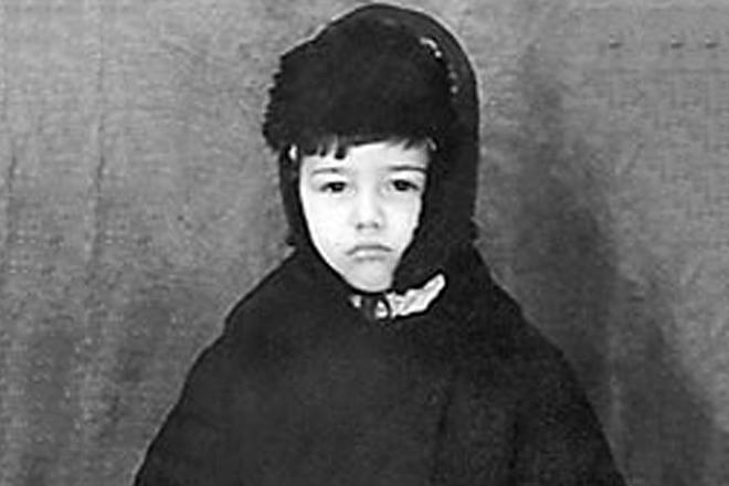 Елена петросян год рождения