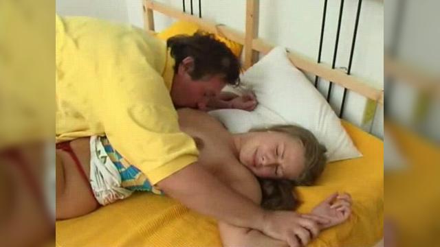 Жестокое изнасилование отцом