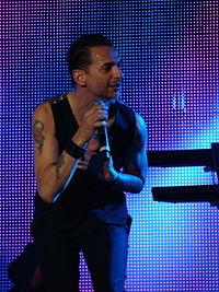 Dave Gahan Bilbao BBK Live 2009 II.jpg