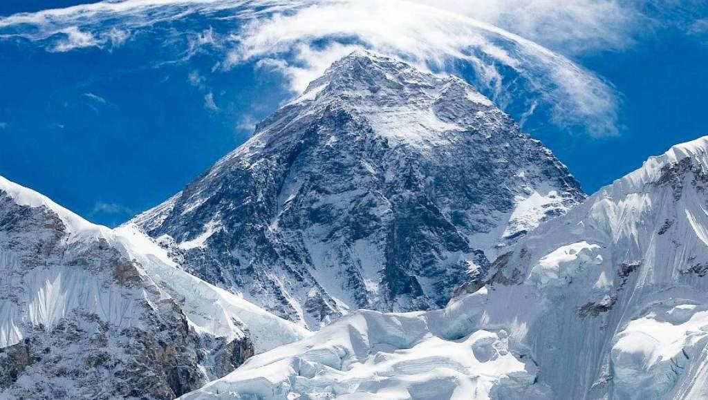 Высота самой высокой точки земного шара пика эверест горы джомолунгма
