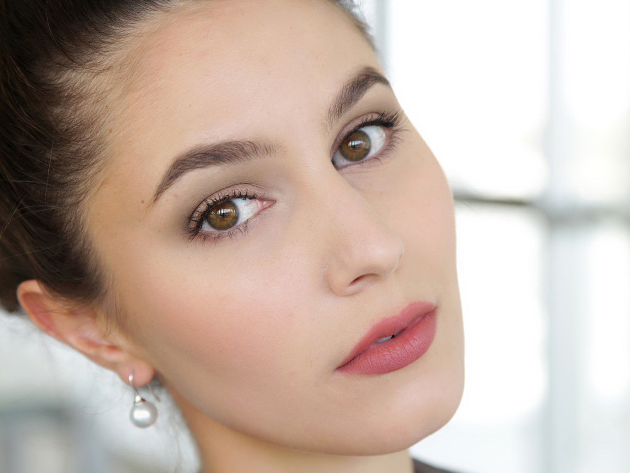 деловой макияж для карих глаз