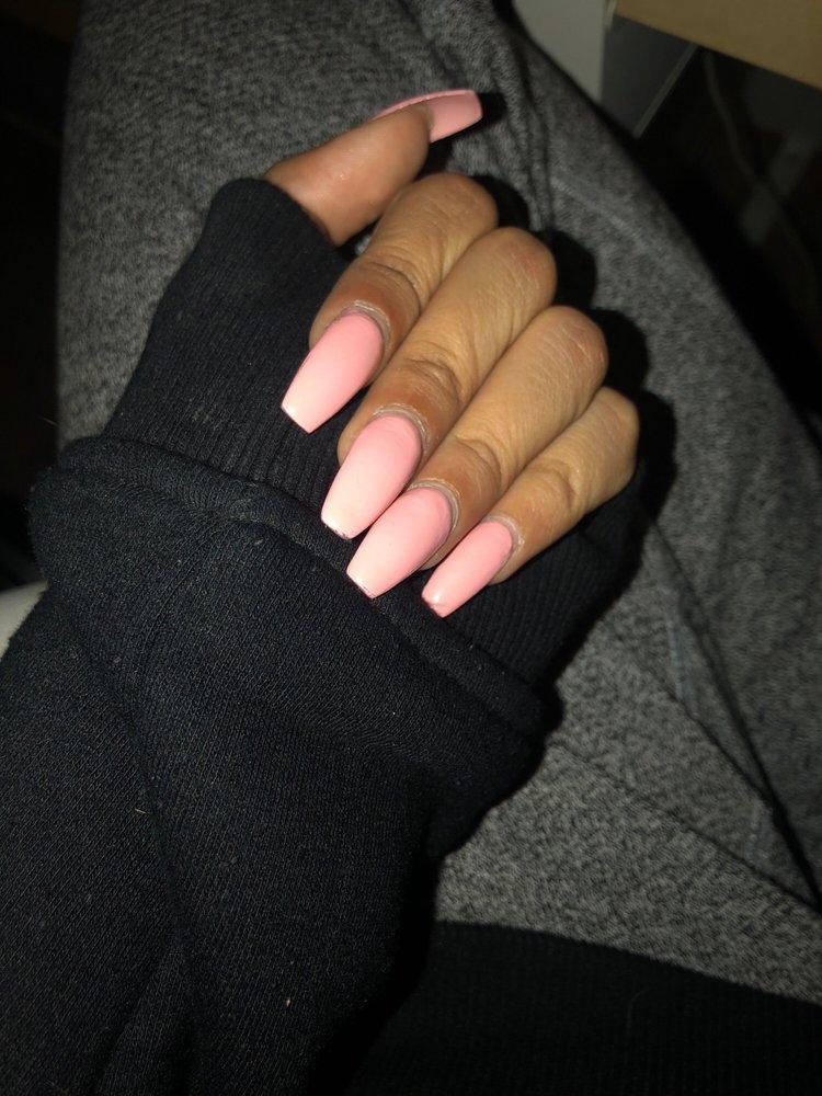 Maxy nails newmarket