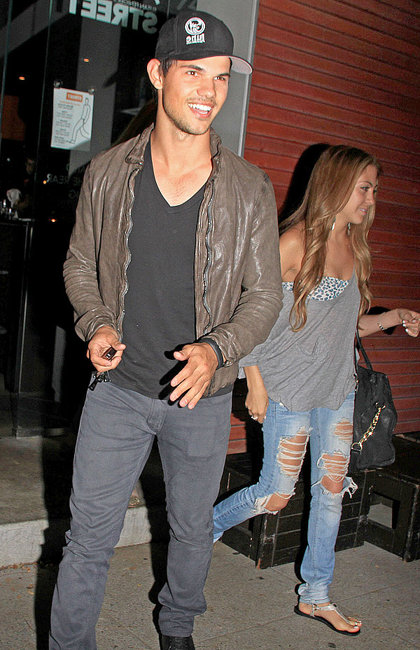 Taylor lautner ex girlfriends