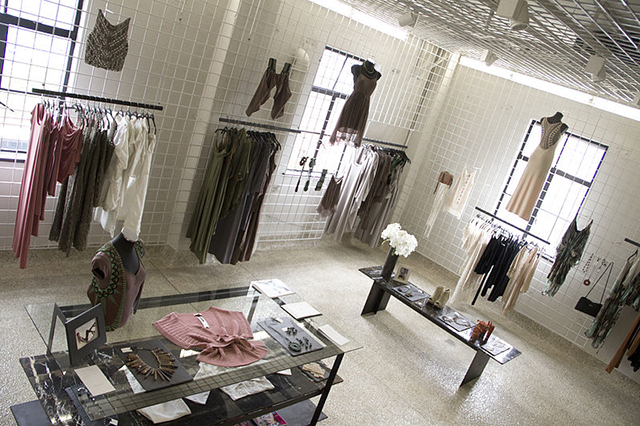 Открыть шоурум одежды с нуля