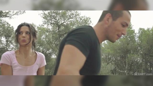 Мужчина и женщина в сексе видео
