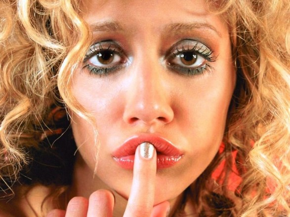Brittany Murphy shh vow of silence